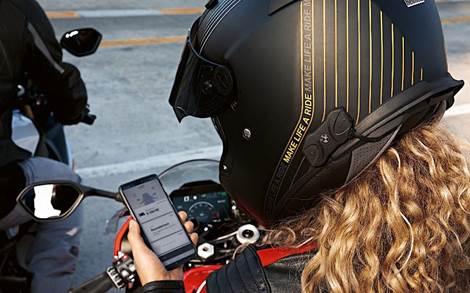 BMW Motorrad lança sistema de comunicação universal integrado ao capacete